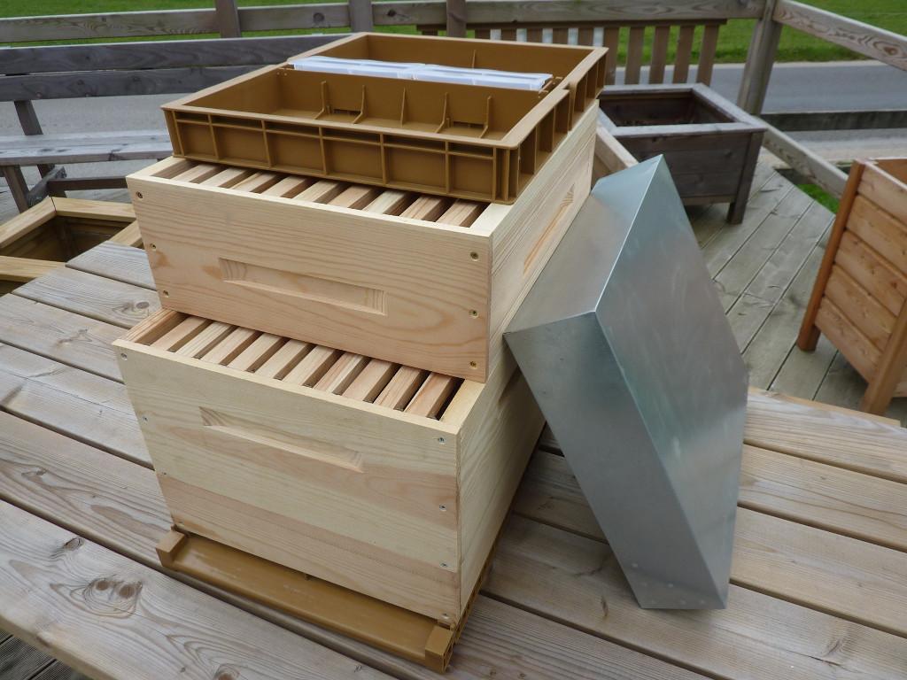 ruche dadant 10 cadres douglas la menuiserie des ruches. Black Bedroom Furniture Sets. Home Design Ideas
